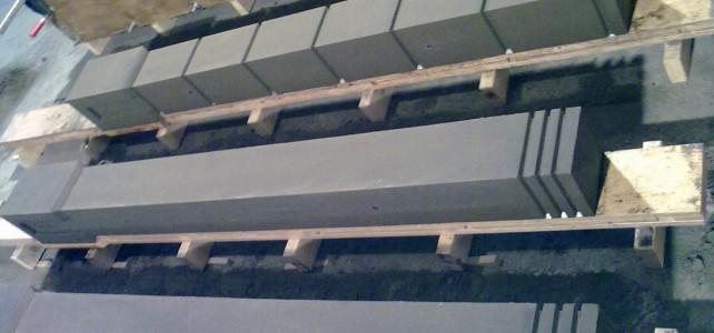 Какой бетонный столб лучше выбрать для еврозабора?